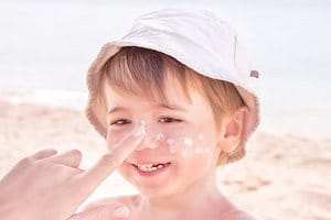 Atopic Dermatitis face treatment: sun protection
