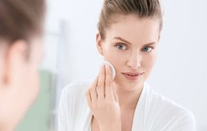2. The second step in an acne skincare routine: toning